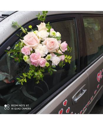 Украшение свадебной машины....